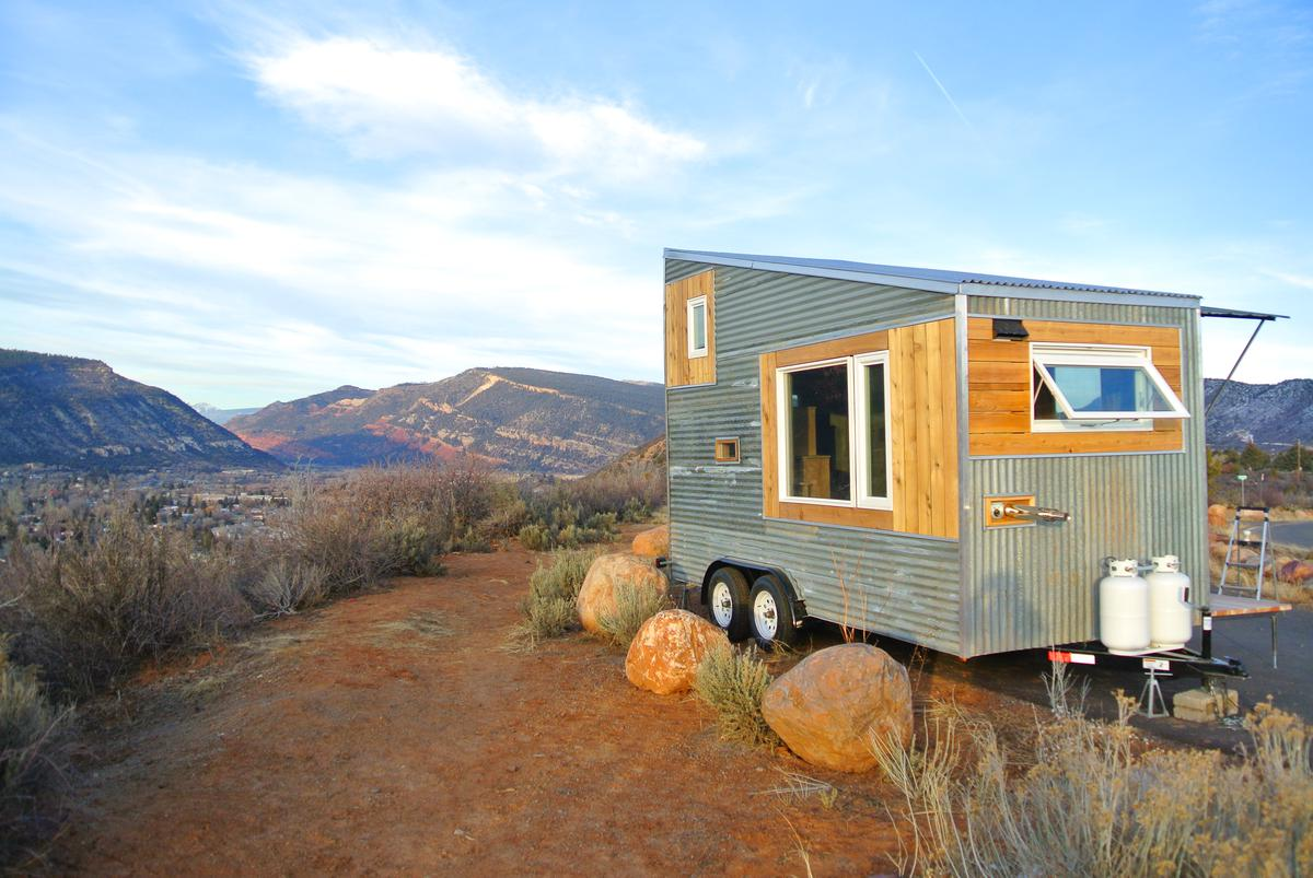 Live simply rocky mountain tiny houses for Colorado mountain home plans