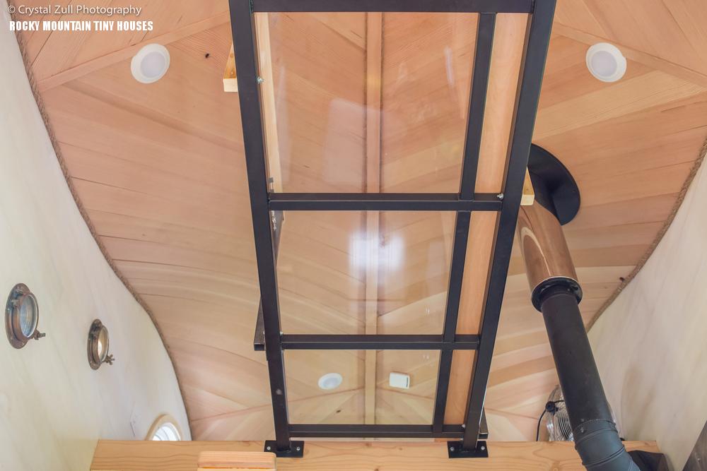 Pequod minik ev kavisli tavan podyum