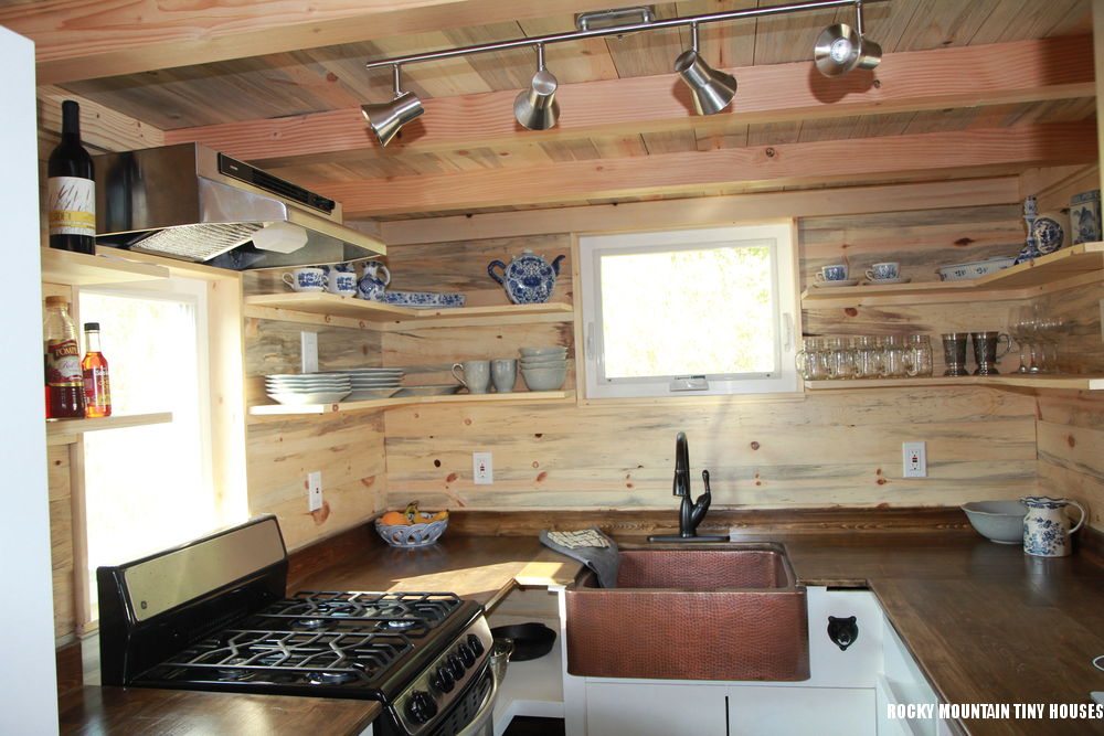 Custom HOMe Tiny Kitchen